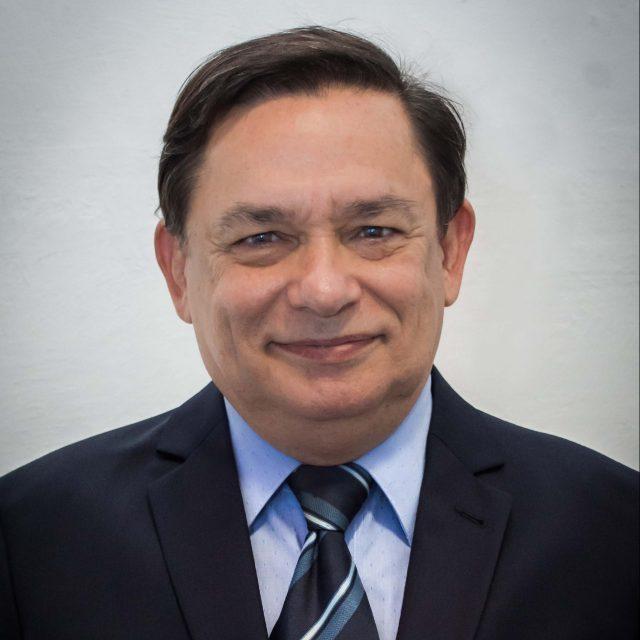 César Barros Leal